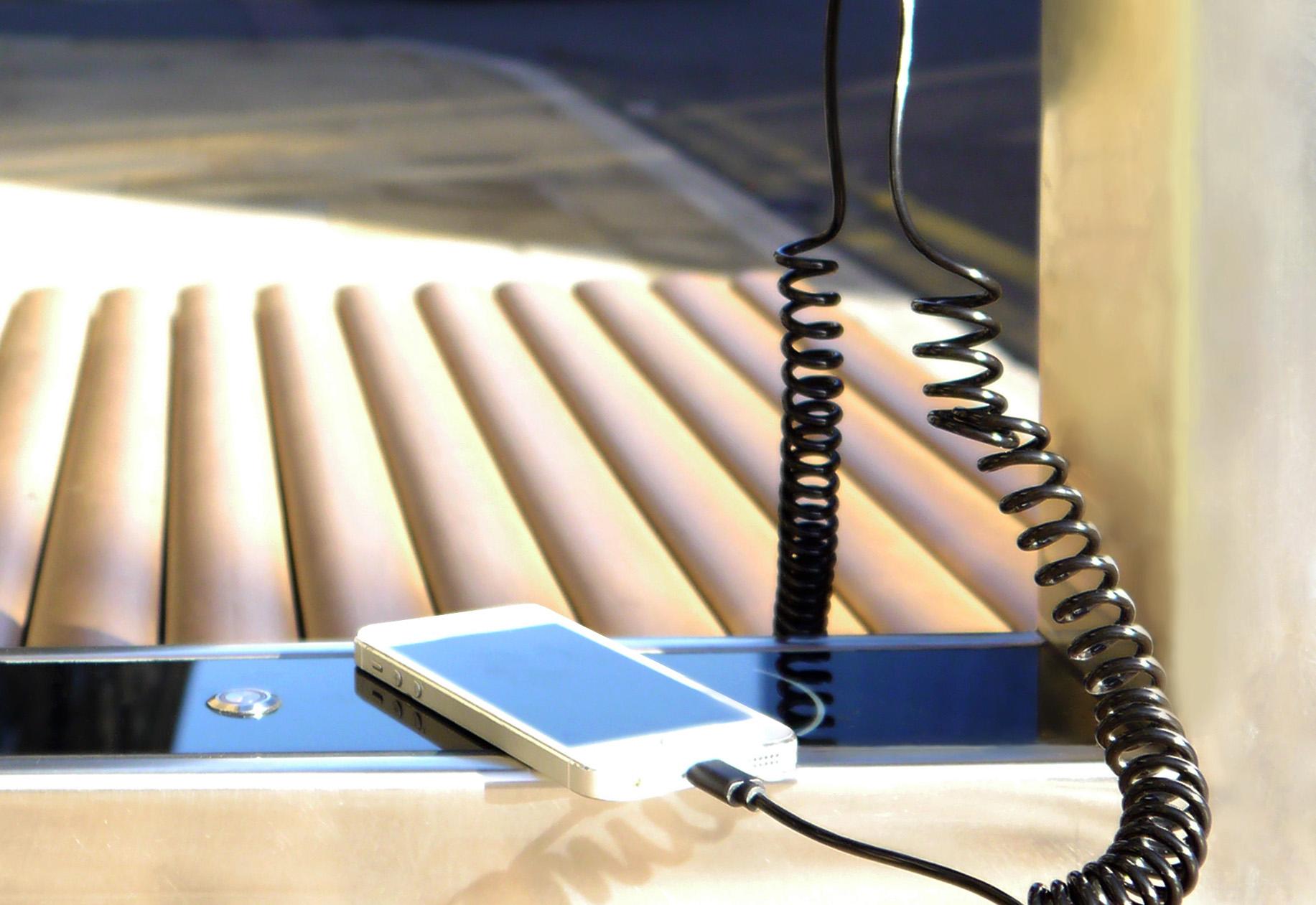 SSB2 Eco Renewable Energy   Smart Solar Benches