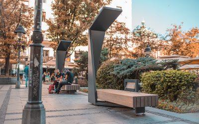 Powering Up with Renewable Energy: Smart Eco Outdoor Furniture